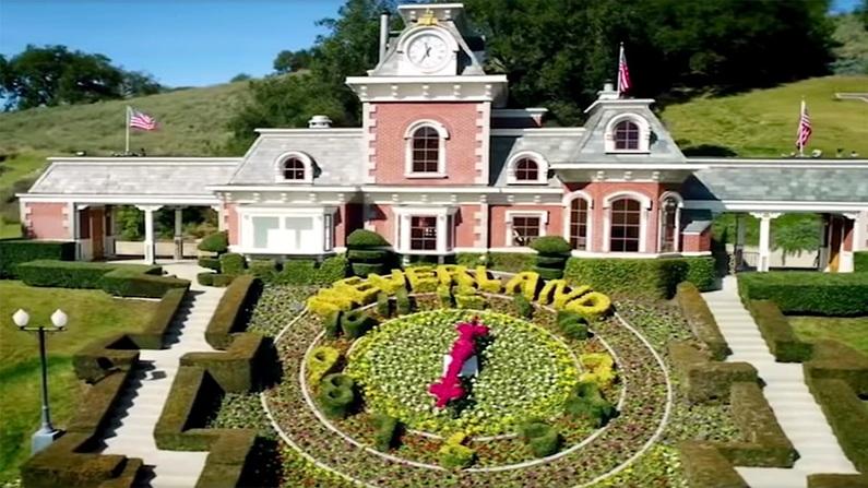 Watch Leaving Neverland Online